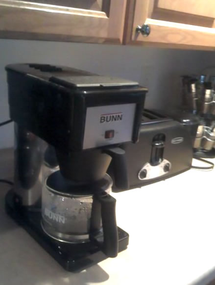 Bunn coffee maker, the Bunn BXB Velocity Brew at home in the kitchen